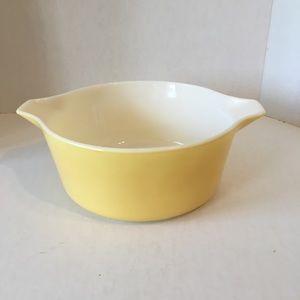 Pyrex Yellow Bowl #475-B. 2 1/2 quart.